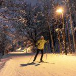 Nordischer Nachtschwärmer auf einer der drei beleuchteten Langlaufloipen der Region